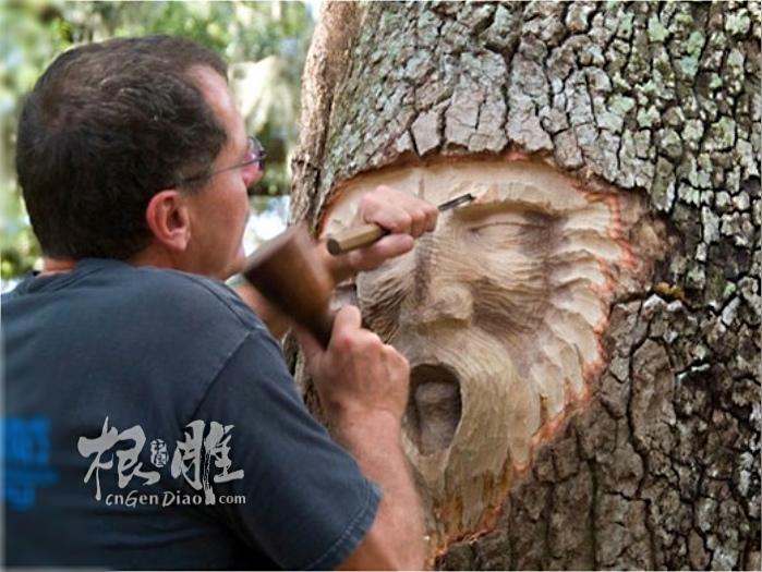 都是朽木根雕,今天欣赏一组来自国外的活体树木雕刻