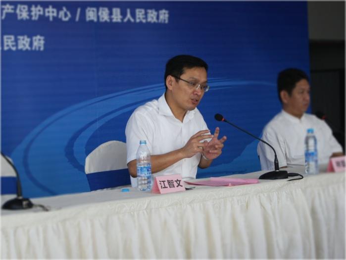 新闻发布会二:(闽侯根雕同业商会会长吴杰接受媒体朋友专访)