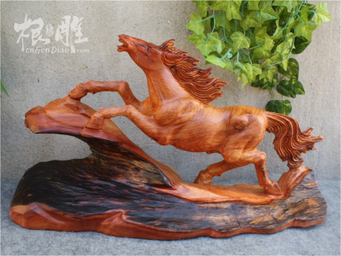 根雕 木雕/花梨木雕马摆件,选用上等老挝花梨木材料雕刻而成,花梨木材质...